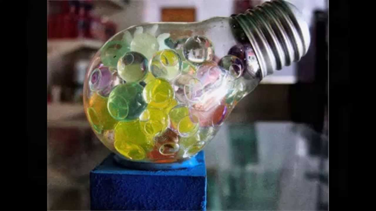 Recicla diapositivas 20 ideas para reciclar bombillas for Ideas para decorar la casa reciclando
