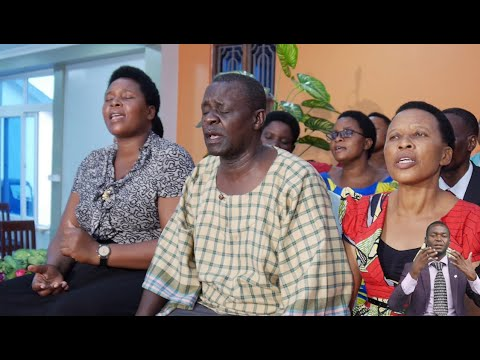 Download Kurasini SDA Choir - Kwenye Njia Kuu