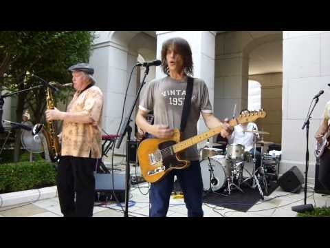 bobby keys performs joe cocker