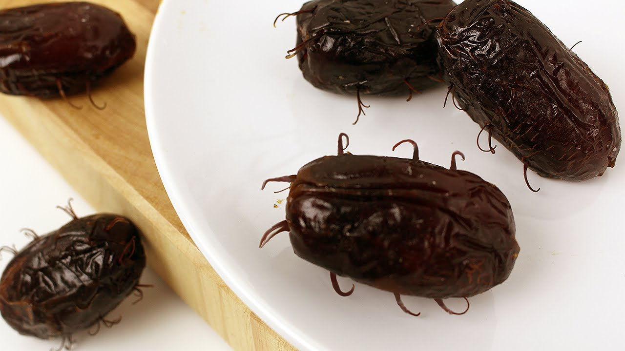 Chocolate Stuffed Quot Cockroaches Quot チョコ入りゴキブリさん Youtube