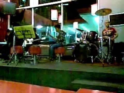 Virasat Band Perform at KFC Demang.mp4