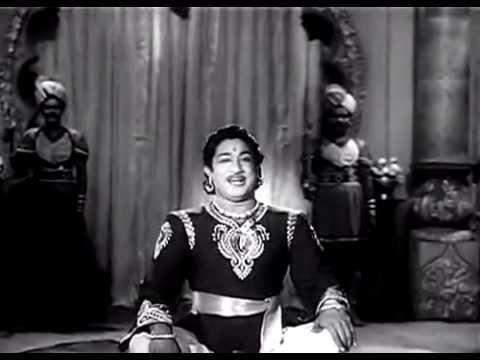 Vadivelum Mayilum Thunai - Ambikapathi [1957].avi