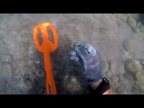Testing Out The New 2019 Scuba Tector! (Underwater Metal Detecting)