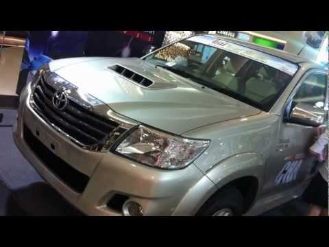 First brief look: Toyota Hilux Vigo Champ & Fortuner