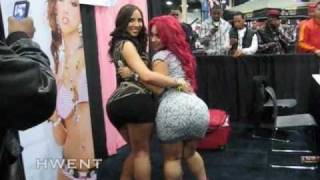 Repeat youtube video KELLY DIVINE AT EXXXOTICA 2010