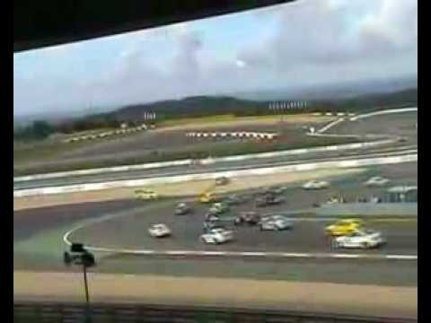Start Crash Manthey Porsche vs. V8 Star Raeder