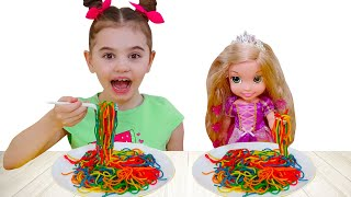 Poli and doll want the same colored noodles
