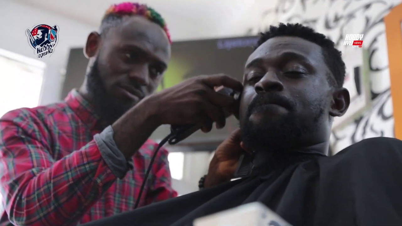 Meet Kobby Sperks, The Barber Who Shaves Sarkodie, Kwesi Arthur And Criss Waddle