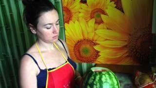 Как нарезать арбуз — урок от шеф-повара