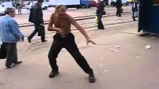 Урок Кунг-Фу На Улице.Пьяный стиль.
