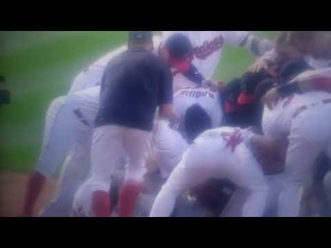 Lonnie Chisenhall wins the game with walk-off hit