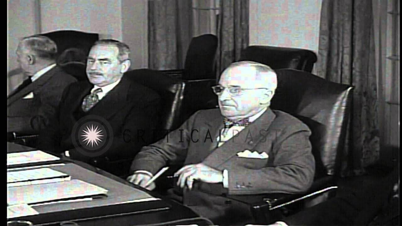 President Harry S. Truman conducts a cabinet meeting regarding the ...