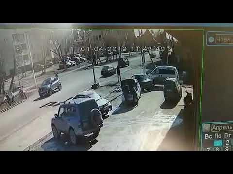Угол Горького и  Партизанской Будьте осторожны на дорогах