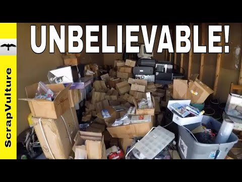 $25,000 AMAZING Dumpster Dive Haul - Closed Arkie Fishing Lure Factory