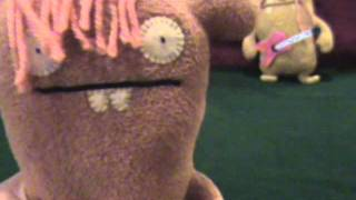 Chuckanucka Uglydoll sings Survivor's Eye of the Tiger!