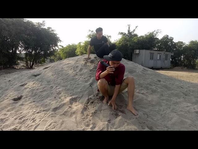 Bất ngờ cậu bé đào cát bụi cuộc đời kiểu trẻ con và hát Bolero - Hài Nguyễn Vịnh