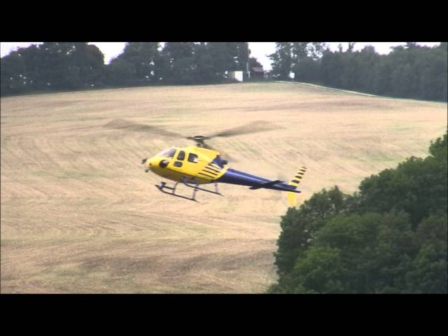 Eurocopter AS350 BA spectacular approach and landing