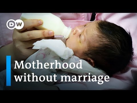 China: Young single women want children without marriage | W