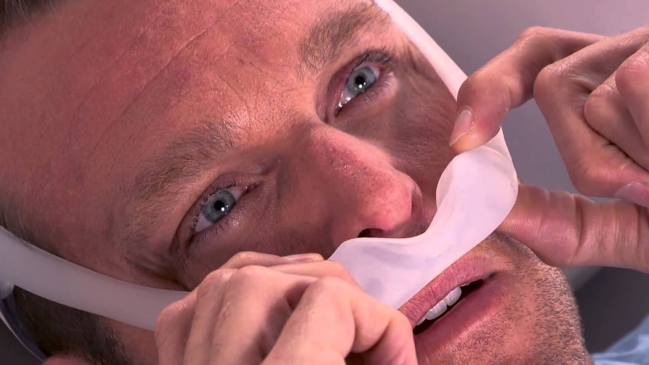 Adjusting the DreamWear CPAP Mask for Leaks