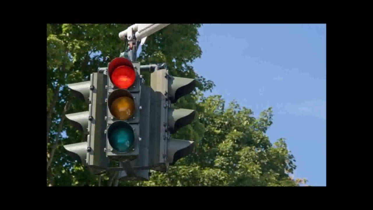 Download Como evitar colisões, assaltos e multas em semáforos