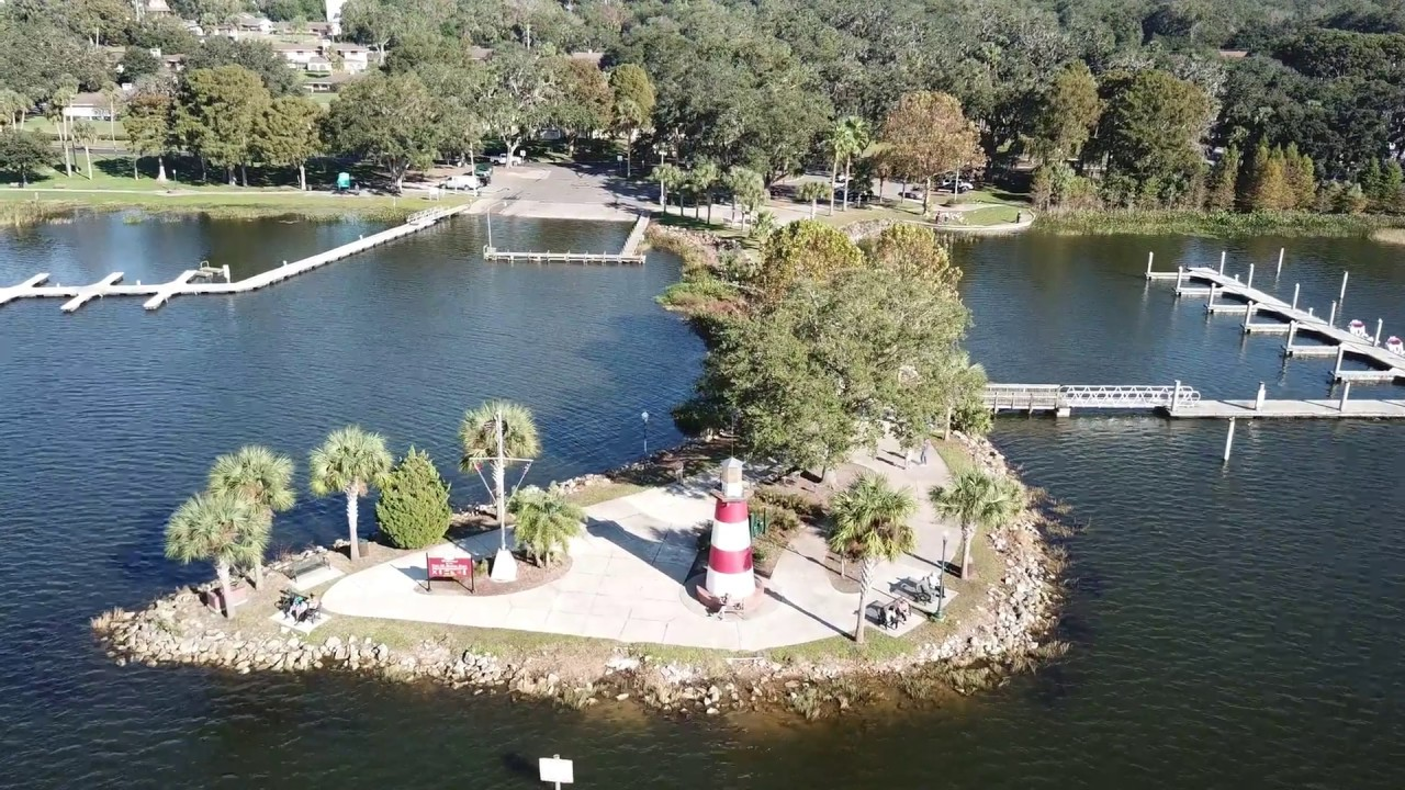 Lakeside Inn Gilbert Park The Freshwater Lighthouse At Lake Dora In Mount