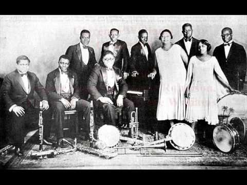 Black Pianist: Clarence Williams & His Orch  Im Through, 1928