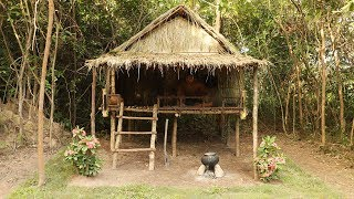 Build The Most Beautiful Hut Using Wooden By Ancient Skills