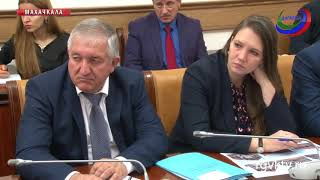В правительстве Дагестана обсудили ликвидацию 3-сменного режима обучения в школах