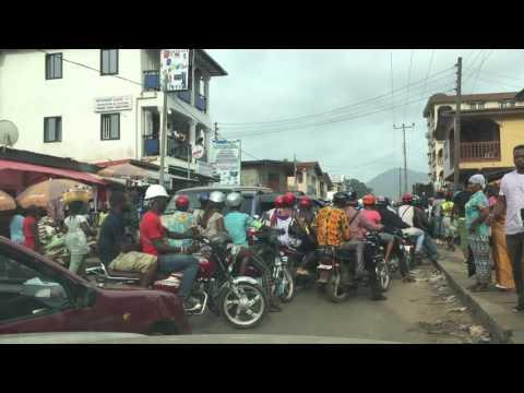 Regent road accident causes small traffic jam, Sierra Leone
