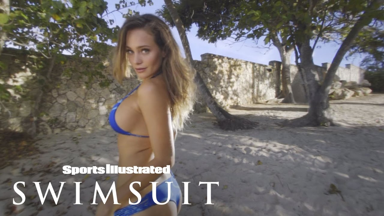 0c0c66f376b Get up-close and virtual with Sports Illustrated swimsuit models | One Page  | Komando.com