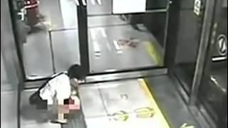 Kadın metroda tuvaletini yaptı!