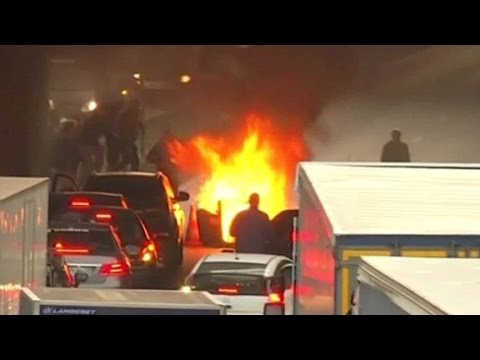 French taxi driver protest against Uber turns violent