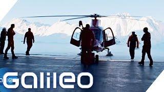 Diese Männer bringen sich selbst in Gefahr um Leben zu retten | Galileo | ProSieben