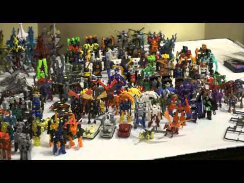 Massive Transformers Mini-Con \/ Microns collection on display at BotCon 2012