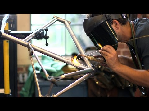 Stanford students build top-quality bikes from the ground up