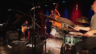 Zaguri Trio - Yesterday (Live)