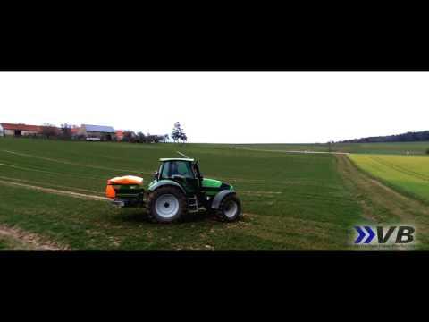 Spreading Fertilizer for Harvest 2016