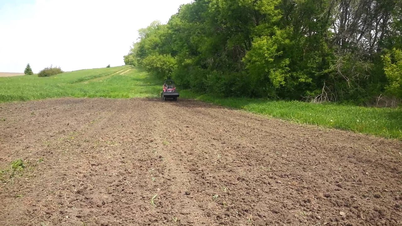Planting Corn with a John Deere 2 Row Planter - YouTube