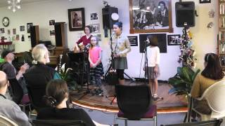 Skipperlings at Uptown Bills: Free to Be You and Me