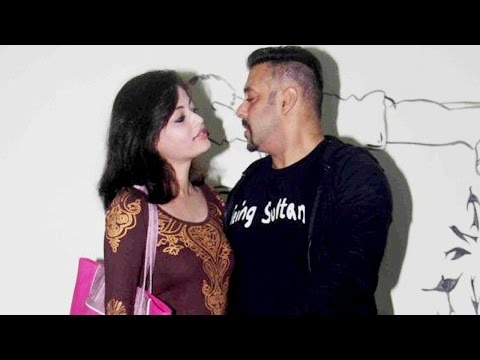 Salman Khan HUGS Sneha Ullal Costar in Lucky