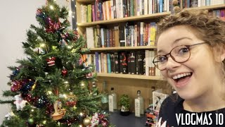 A Tour of my Tacky Christmas Tree | Vlogmas #10