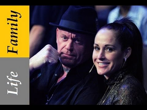 Undertaker Life : Everything Everywhere | Childhood | Wife and Children | WWE