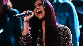 10 times Demi Lovato went VOCALLY OFF! (Incredible Crazy Vocals!)
