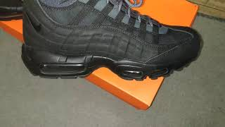 NIKE AIR MAX 95 SNEAKERBOOT Review + On Foot, Best winter boot?