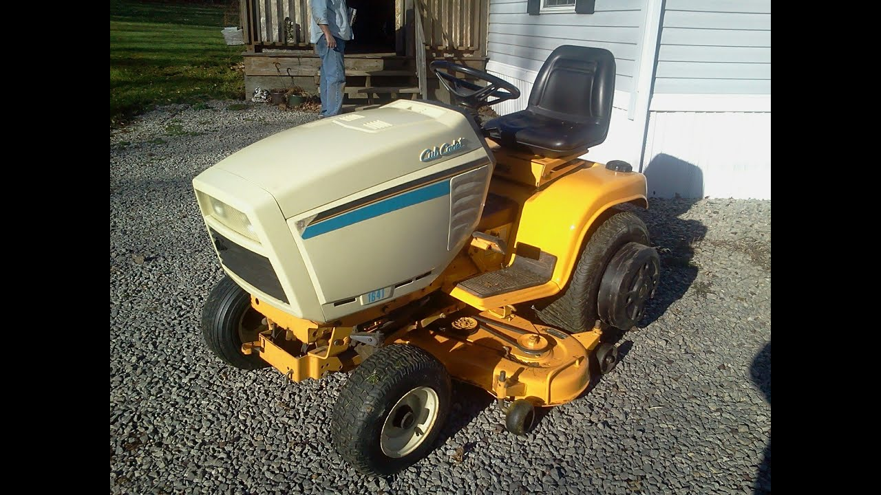 Tractor Mowing Painting : Cub cadet painting fenders and mower deck youtube