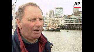 UK: LONDON: FISHING BOATS ARRIVE FOR PROTEST RALLY