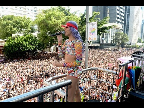 Vai passar mal - Pabllo Vittar na Parada Gay