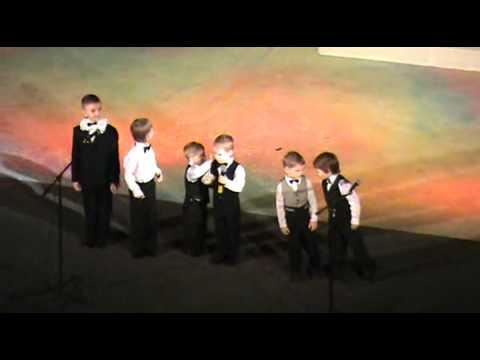 Херсон, драмтеатр, дети на сцене