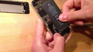 Ремонт iPhone 4 : Как самому заменить батарею на айфоне 4 / Замена аккумулятора на iPhone 4(Видео о том, как поменять батарею на iPhone 4 . Замена аккумулятора айфона 4 ., 2013-06-16T20:42:13.000Z)