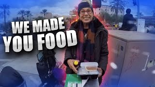 Bikers Give Thanksgiving Meals to the Homeless and Their Dogs!